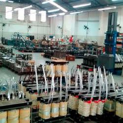 Fábrica de transformador trifásico